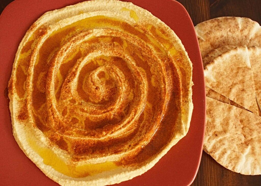 Authentic Lebanese Hummus, hummus pita