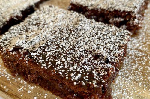 Brown sugar desserts, the best easy fudge brownie recipe with powdered sugar on top