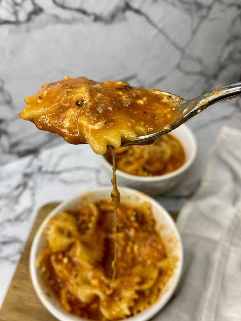 instant pot lasagna soup with melty cheese, lasagna soup instant pot